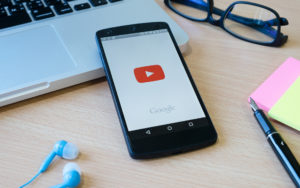 anuncioemvideo 300x188 - Como incluir anúncios de vídeo do Youtube em sua estratégia digital?