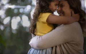 diamaes 300x188 - Campanha da Ypê para o Dia das Mães emociona com momentos de carinho!