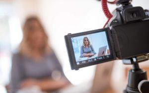 iStock 875723292 1 300x187 - Vídeos para redes sociais: estratégia de marketing digital que cresce a cada ano