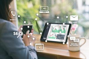 iStock 961769234 300x200 - Plano de mídia digital: entenda a importância de diversificar as estratégias